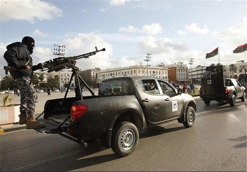 نخست وزیر لیبی: آمریکا و انگلیس اجازه ارسال سلاح برای ارتش لیبی را نمی دهند